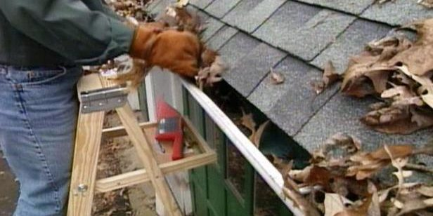Cleaning-Gutters-5368177-s4x3_lg